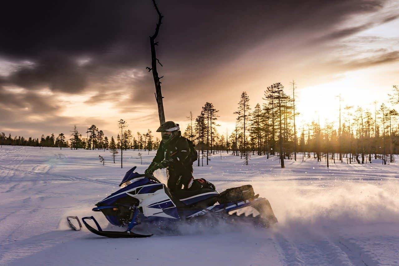 snowmobiles 2035500 1280